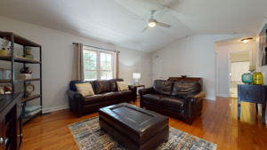 908 E Hudson Ave, Durham, NC 27704, USA Photo 18