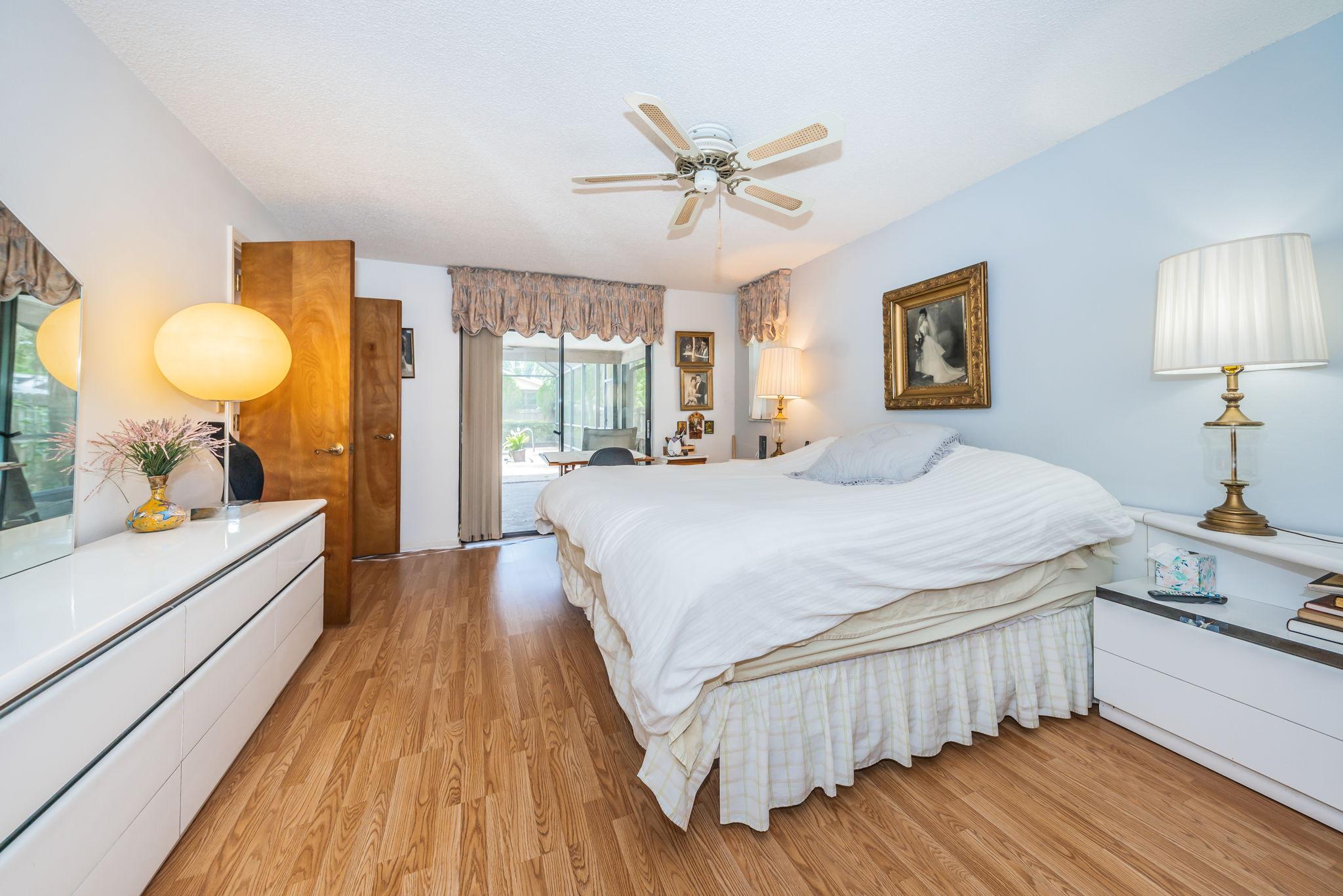 Master Bedroom1b