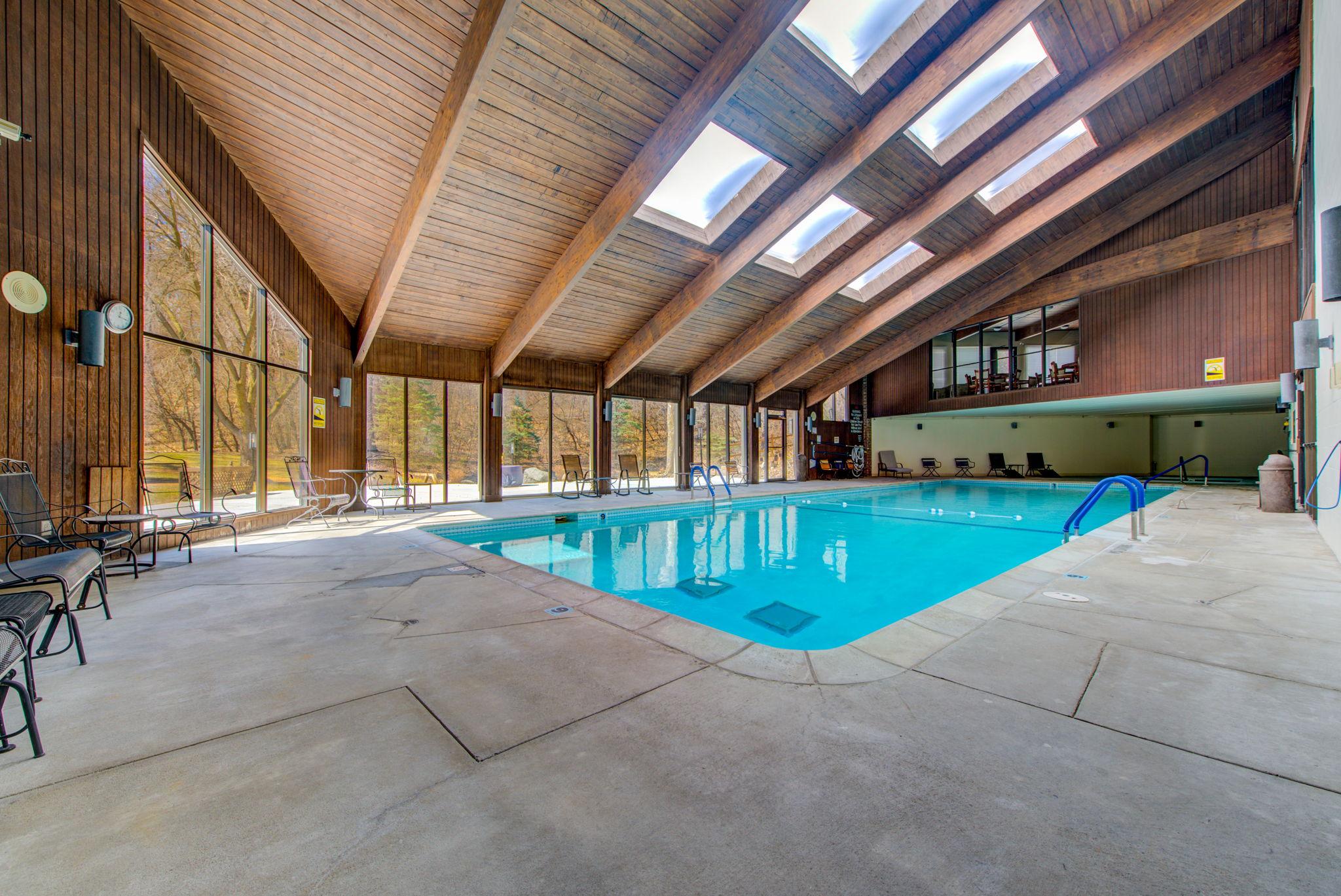 Building - Pool