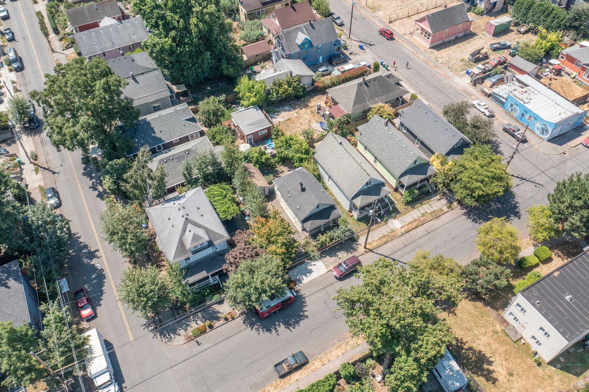 622 NE Failing St, Portland, OR 97212, USA Photo 9
