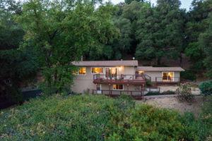 22577 Riva Ridge Rd, Los Gatos, CA 95033, USA Photo 29
