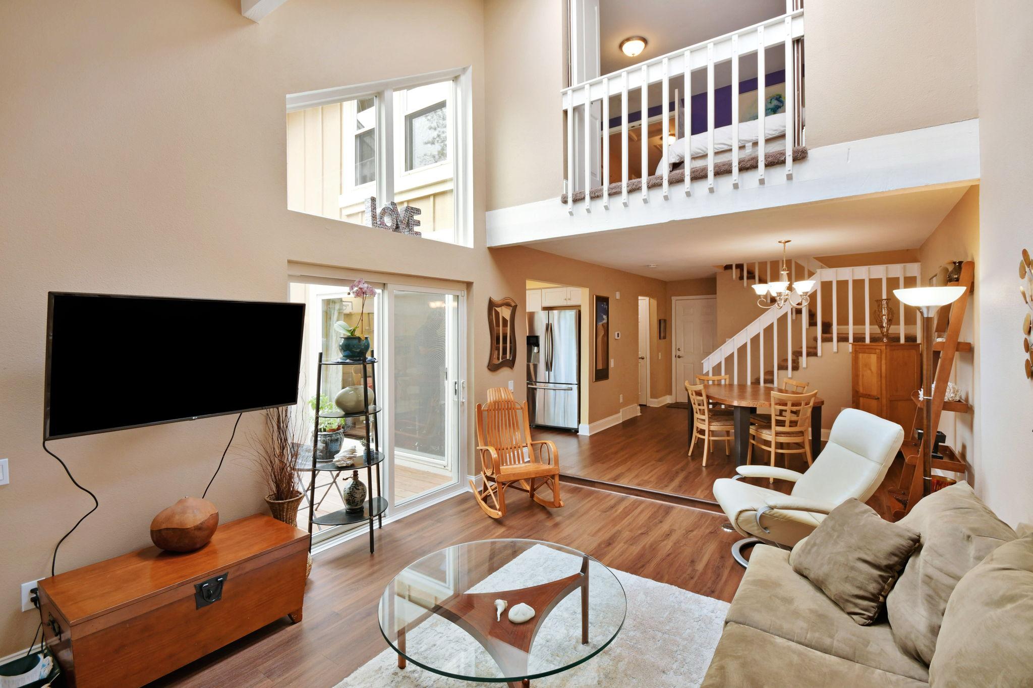Living Area-Alt