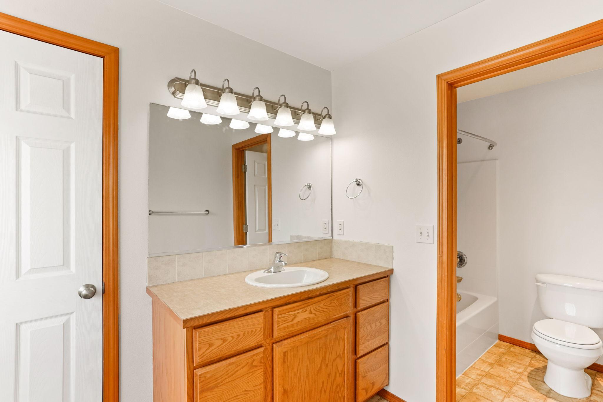 Primary En suite Bathroom