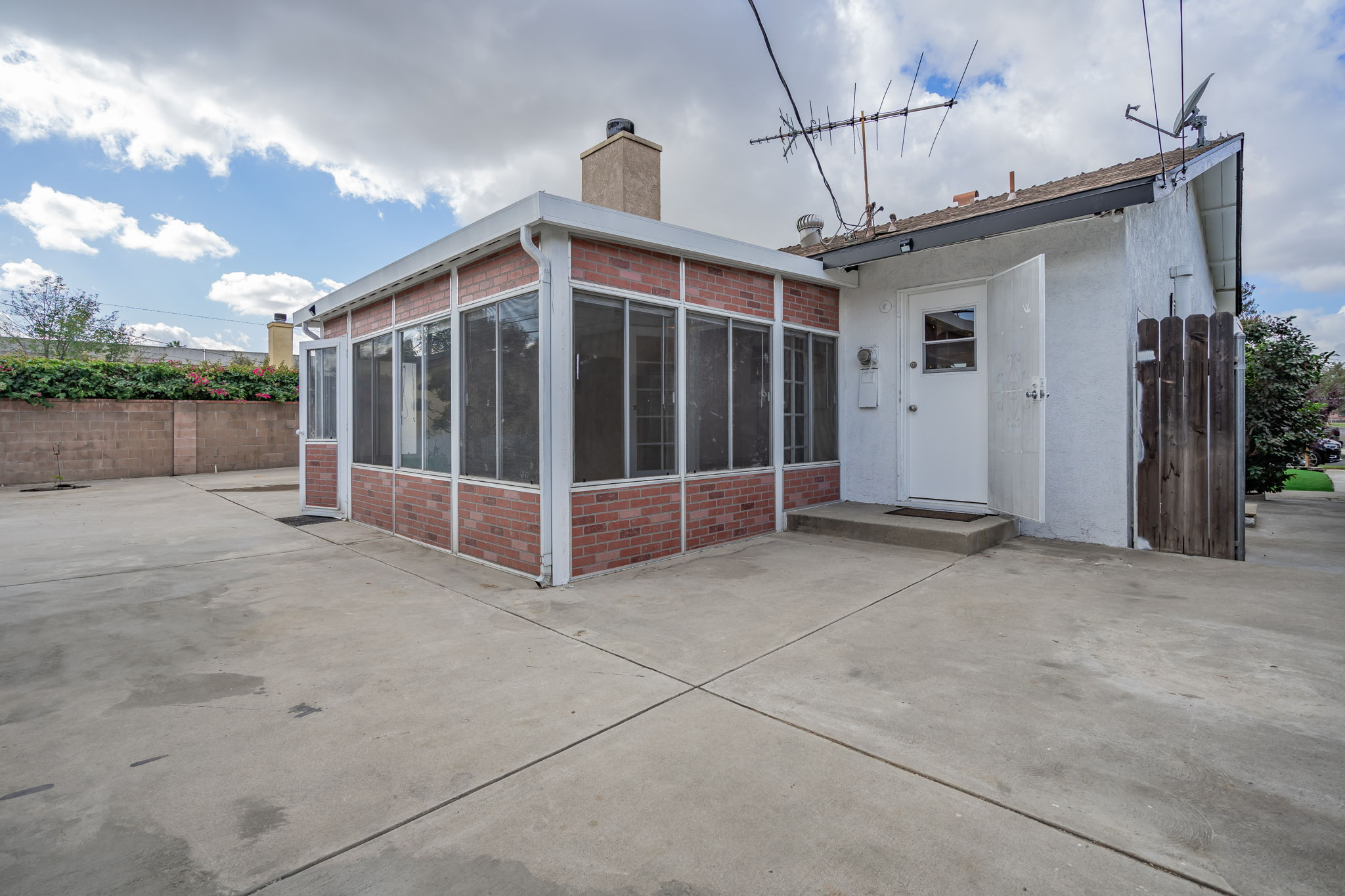 10814 Dempsey Ave, Granada Hills, CA 91344, US Photo 40