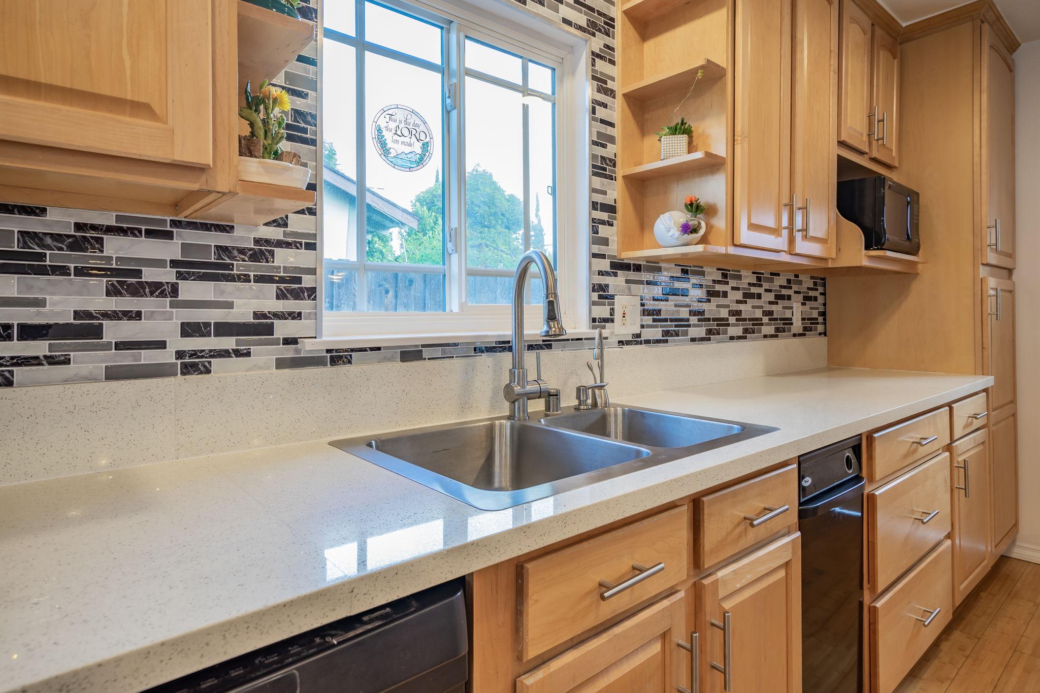10814 Dempsey Ave, Granada Hills, CA 91344, US Photo 18