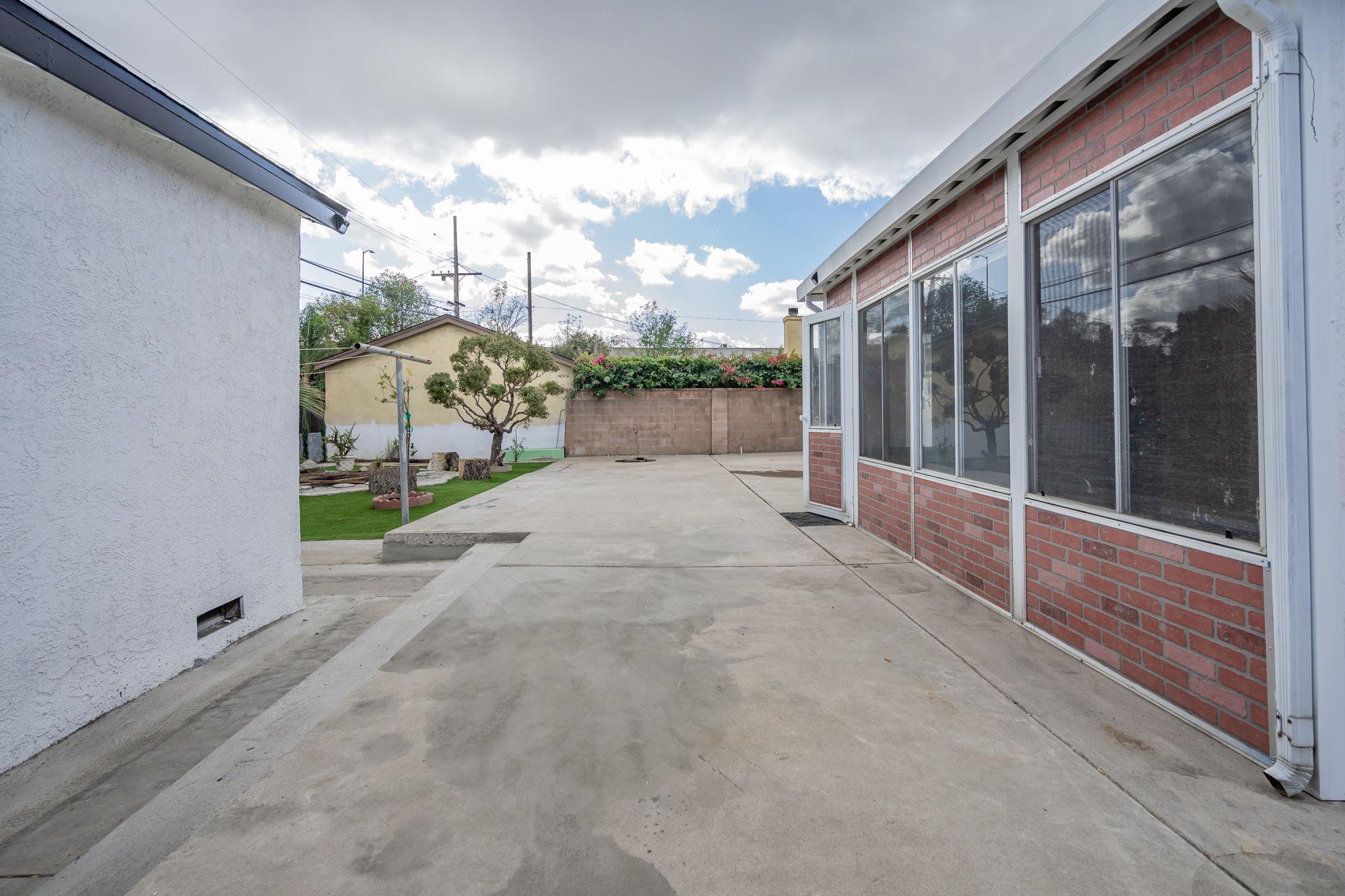 10814 Dempsey Ave, Granada Hills, CA 91344, US Photo 41