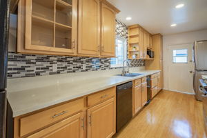 10814 Dempsey Ave, Granada Hills, CA 91344, US Photo 15