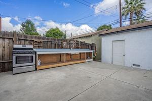 10814 Dempsey Ave, Granada Hills, CA 91344, US Photo 37