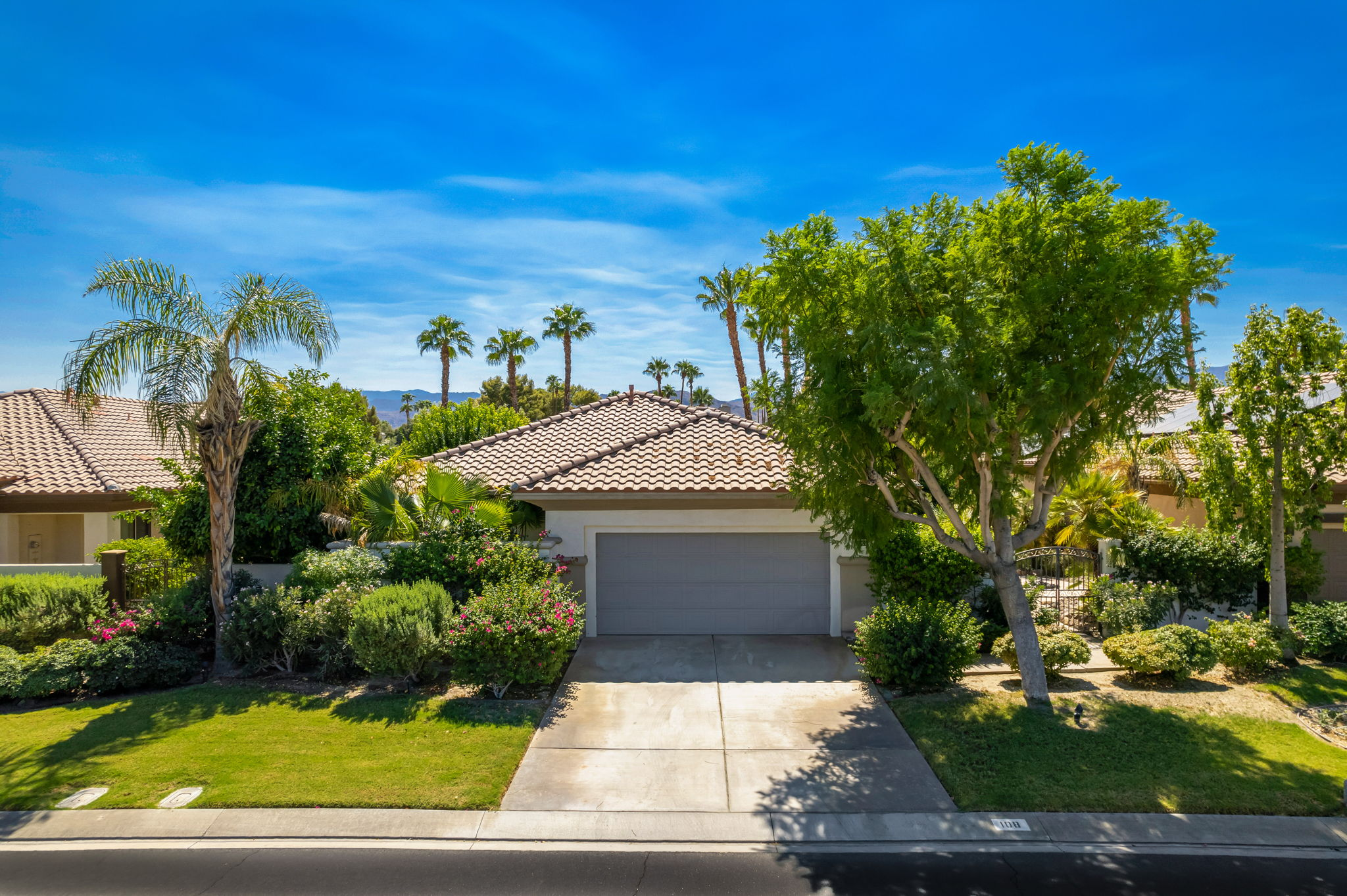 108 Mission Lake Way, Rancho Mirage, CA 92270, USA Photo 1