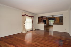 20047 Ronsdale Dr, Beverly Hills, MI 48025, USA Photo 9
