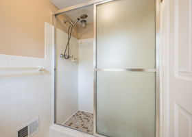 20047 Ronsdale Dr, Beverly Hills, MI 48025, USA Photo 30