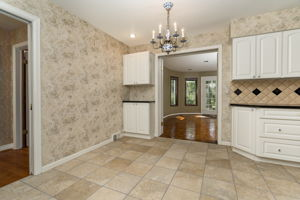 20047 Ronsdale Dr, Beverly Hills, MI 48025, USA Photo 19