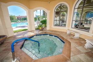 20-Grand Bellagio Hot Tub