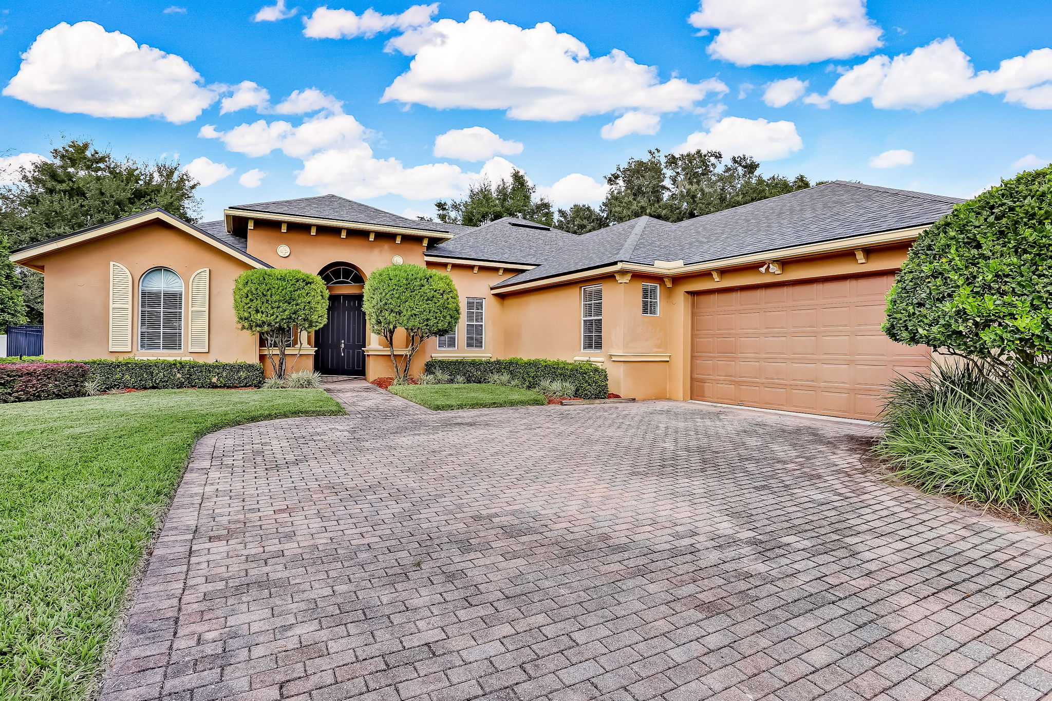 Welcome to 96015 Oak Canopy Ln