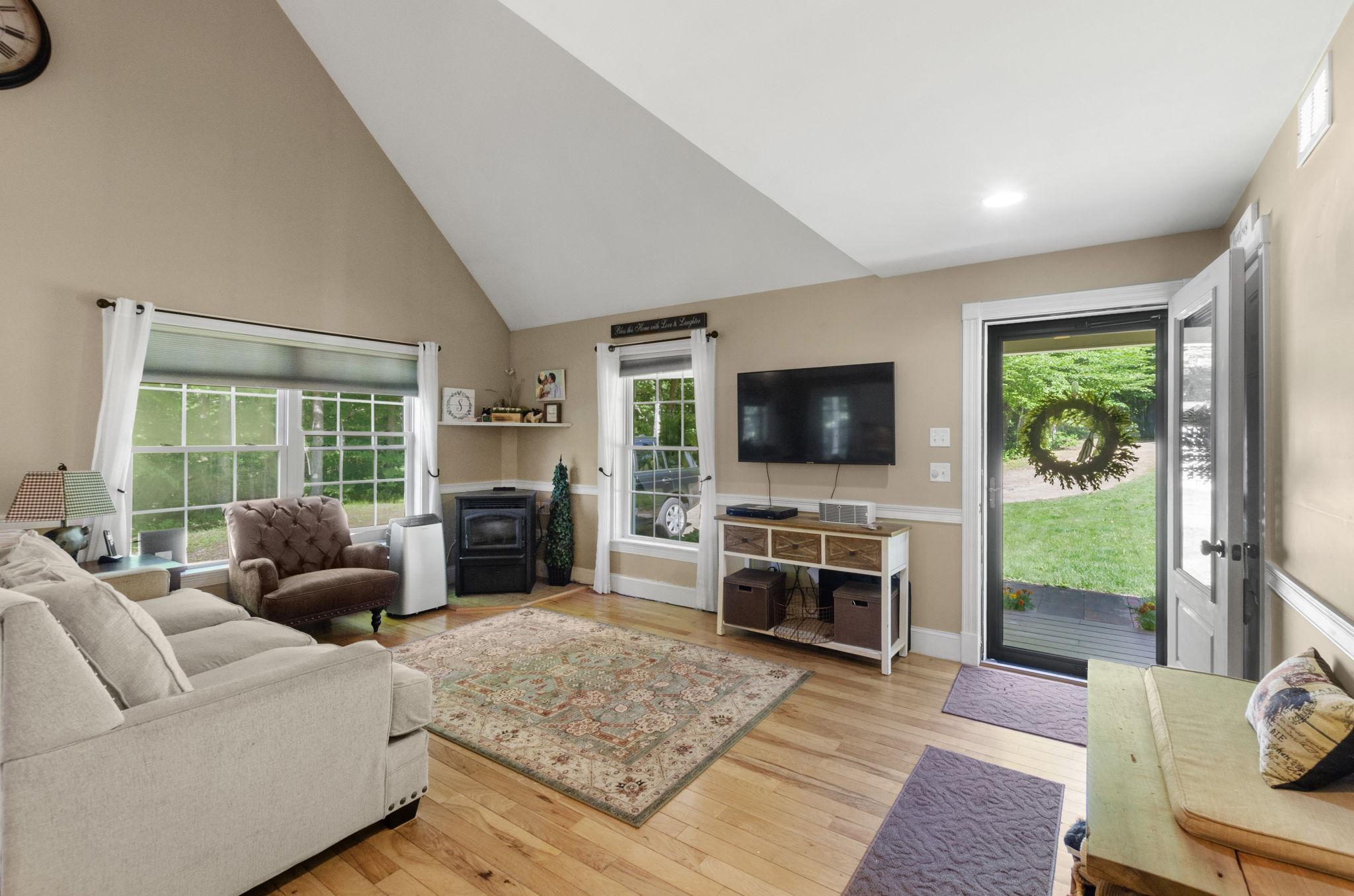 Living Room Entry (2)