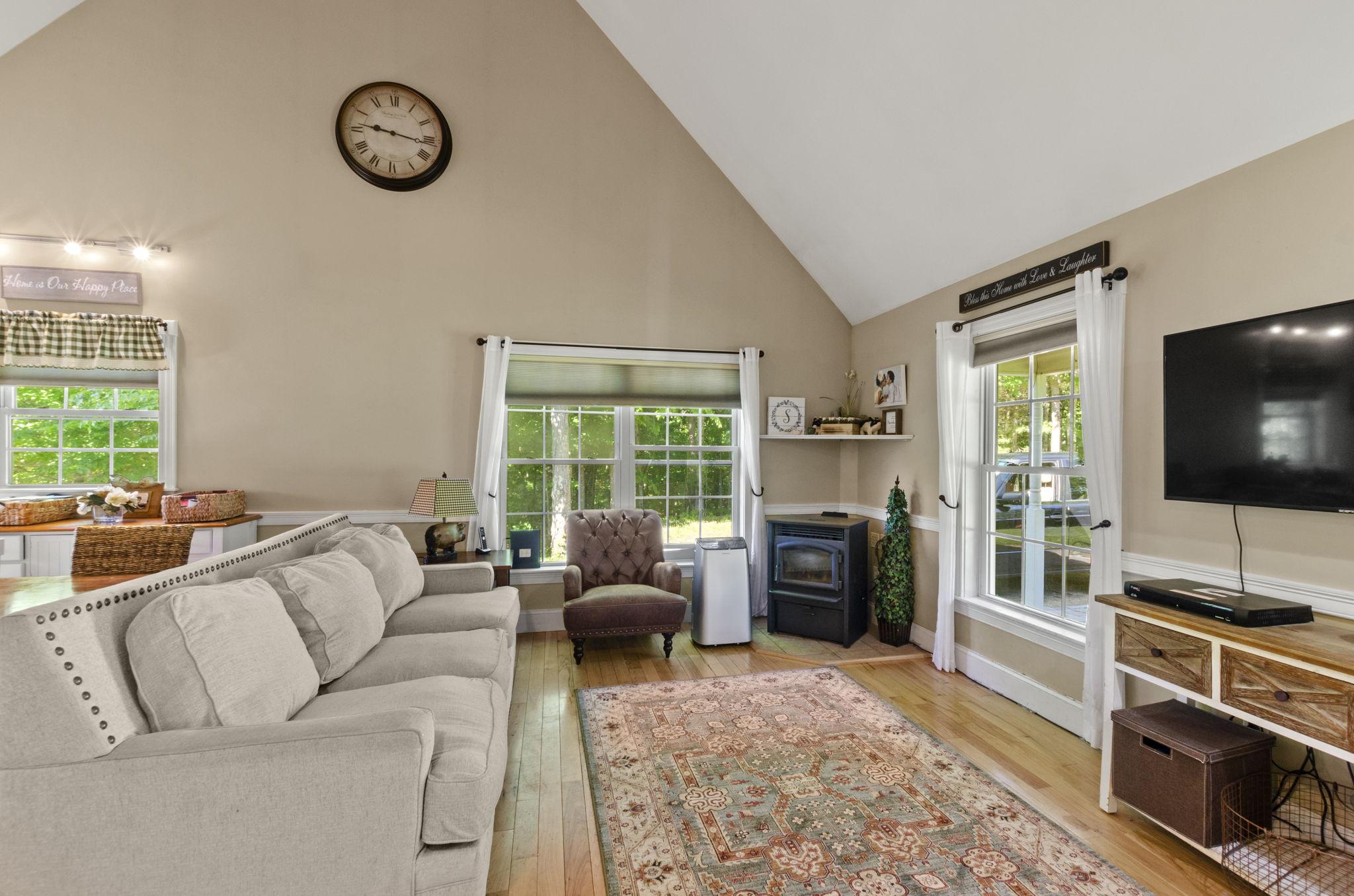 Living Room Entry (3)