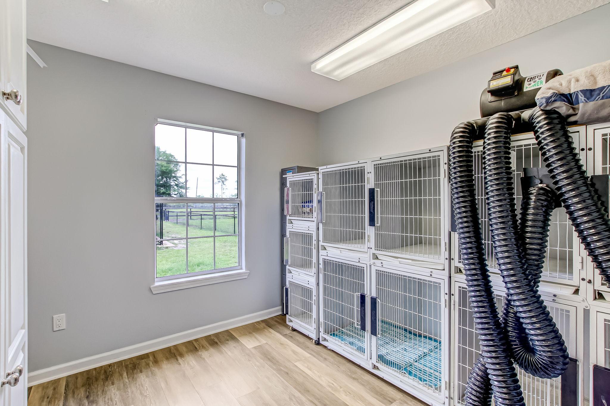 Cottage/Kennel Room 2