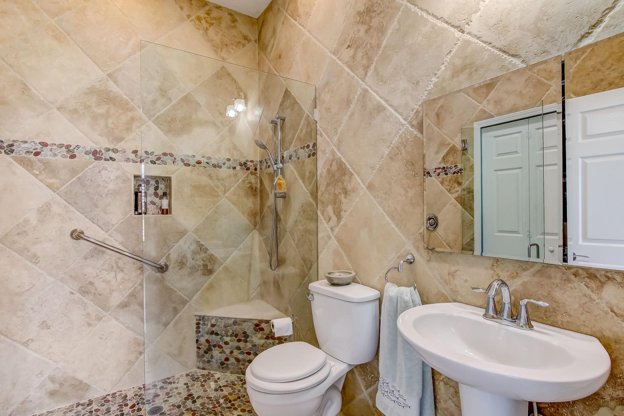 Apartment Owner's Bath