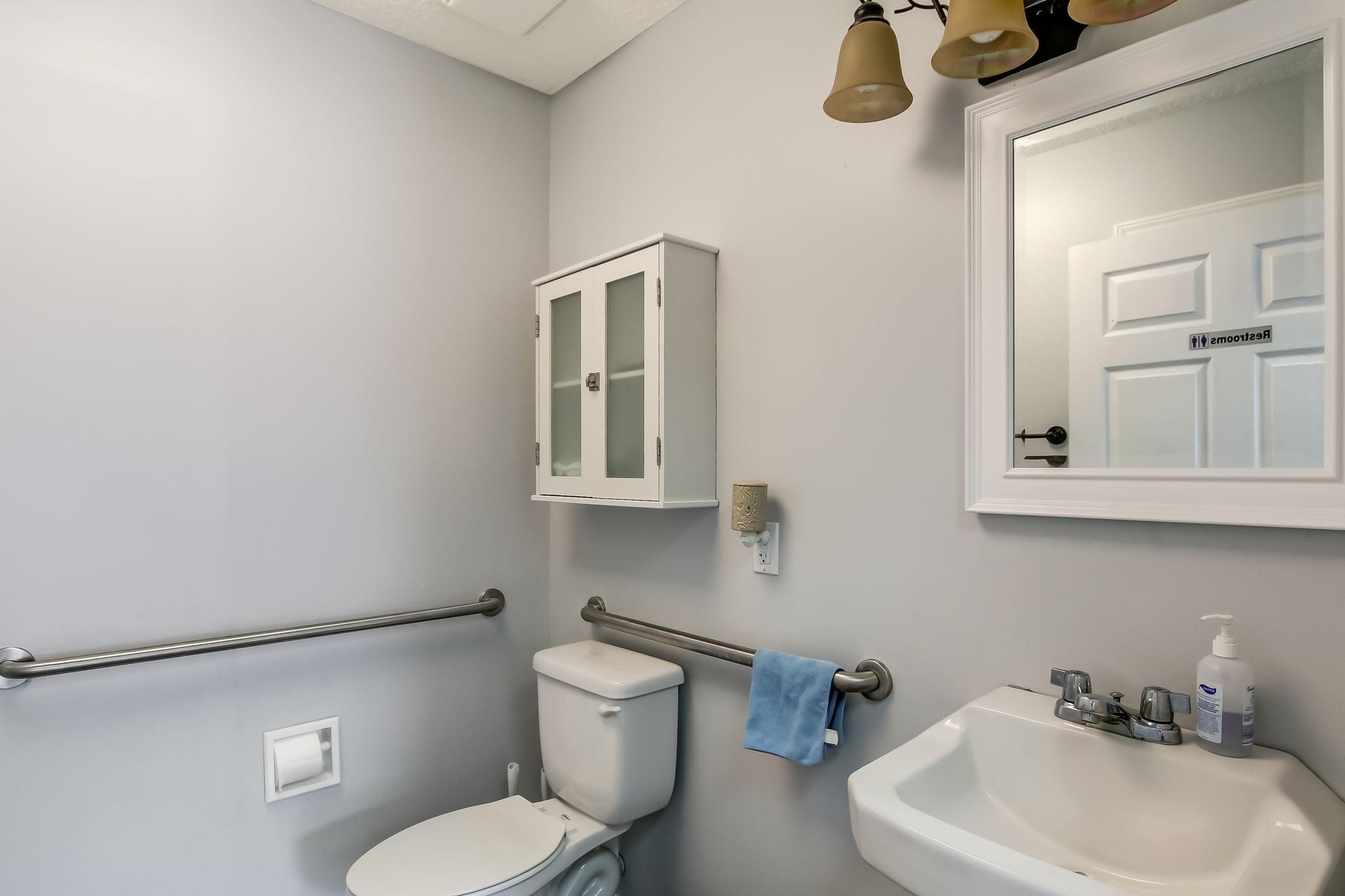 Cottage/Kenne Bath