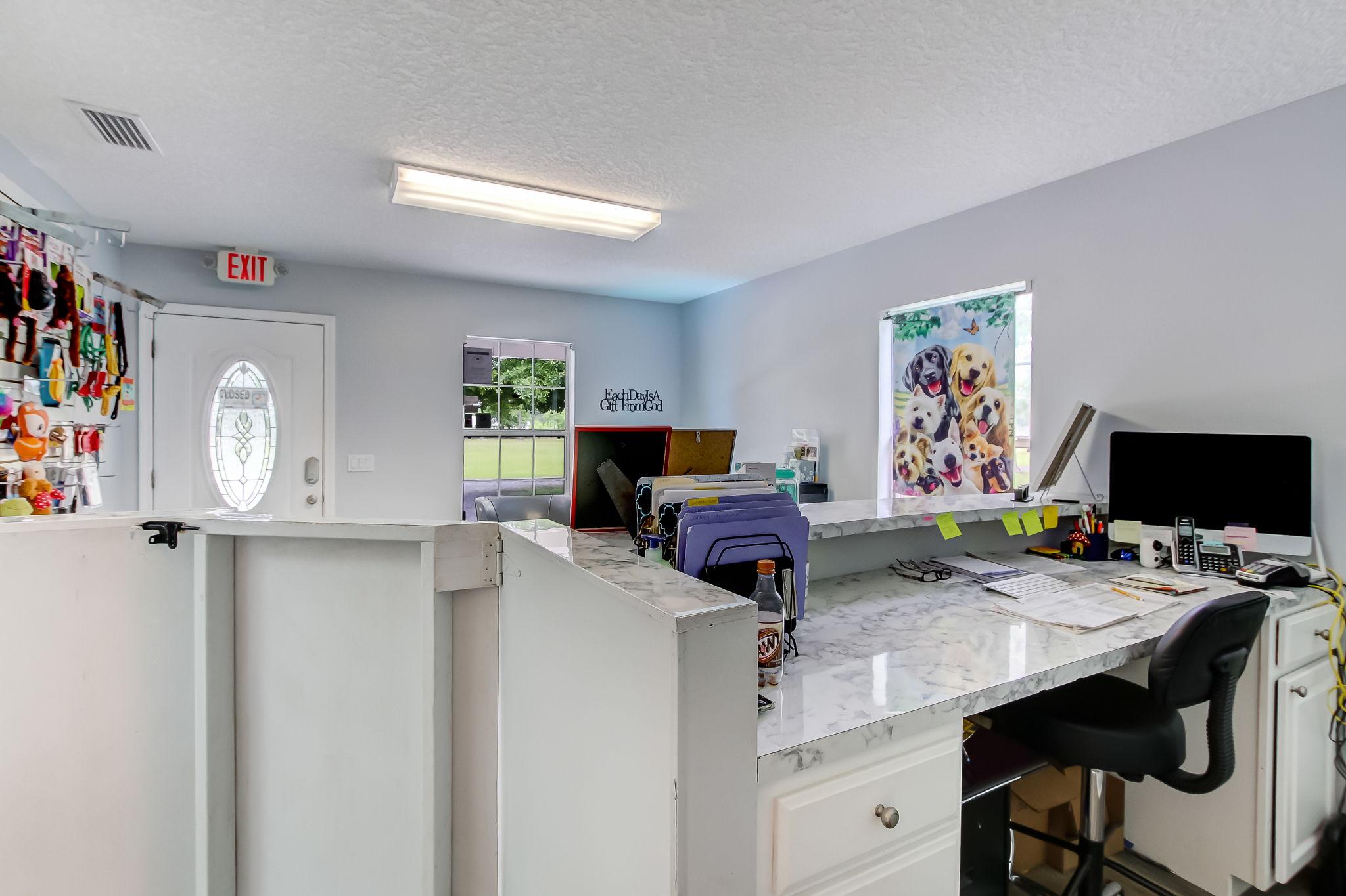 Cottage/Kennel Office