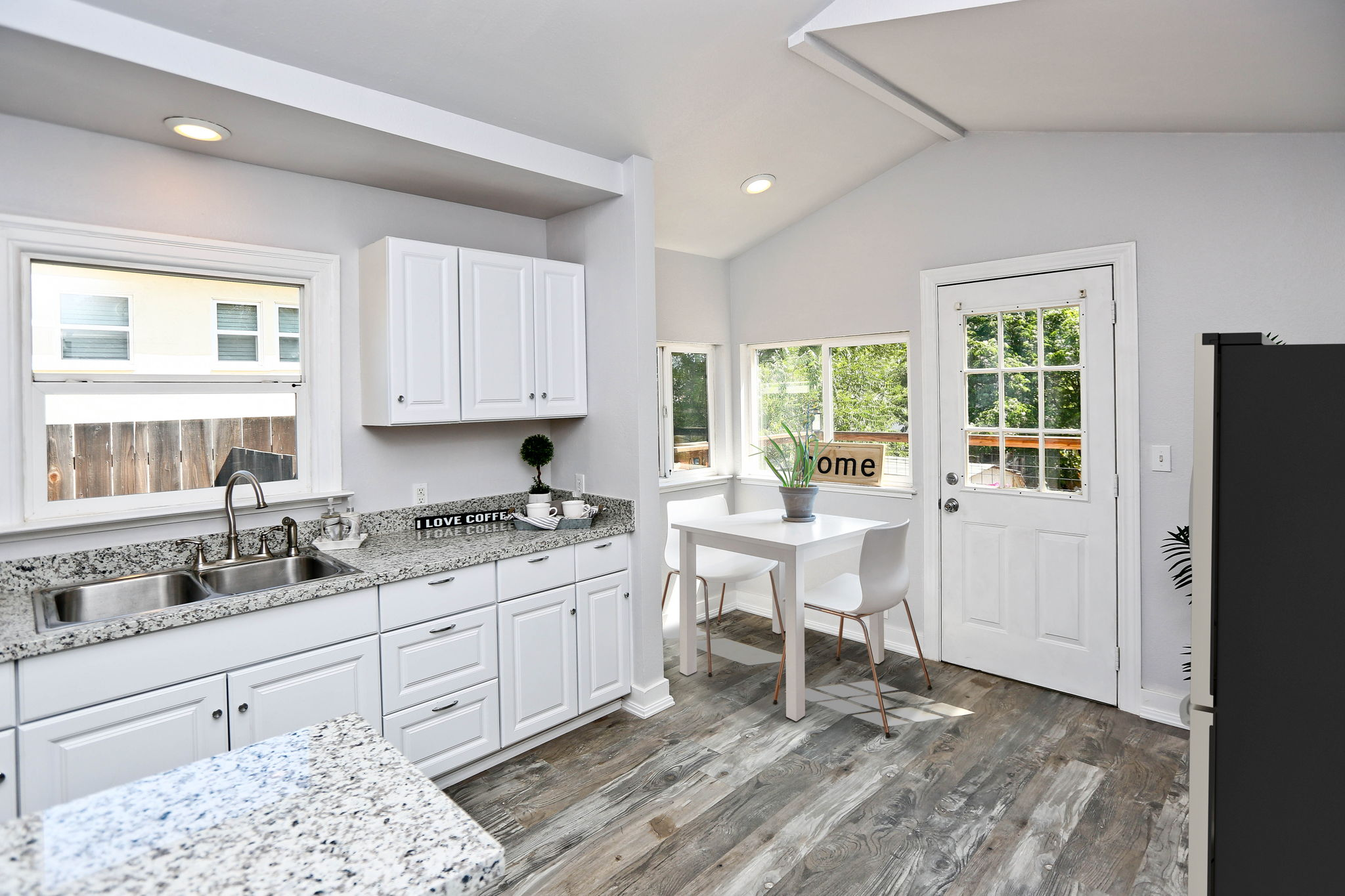 Table, chairs, fridge-virtual staging