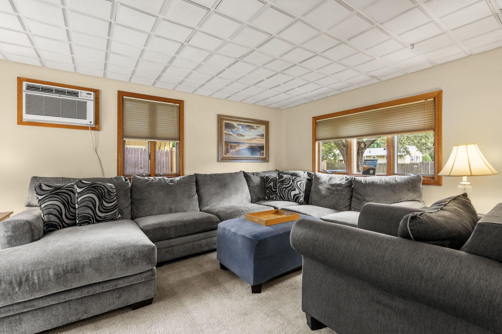 16 Longmeadow Rd, Beverly, MA 01915, USA Photo 9