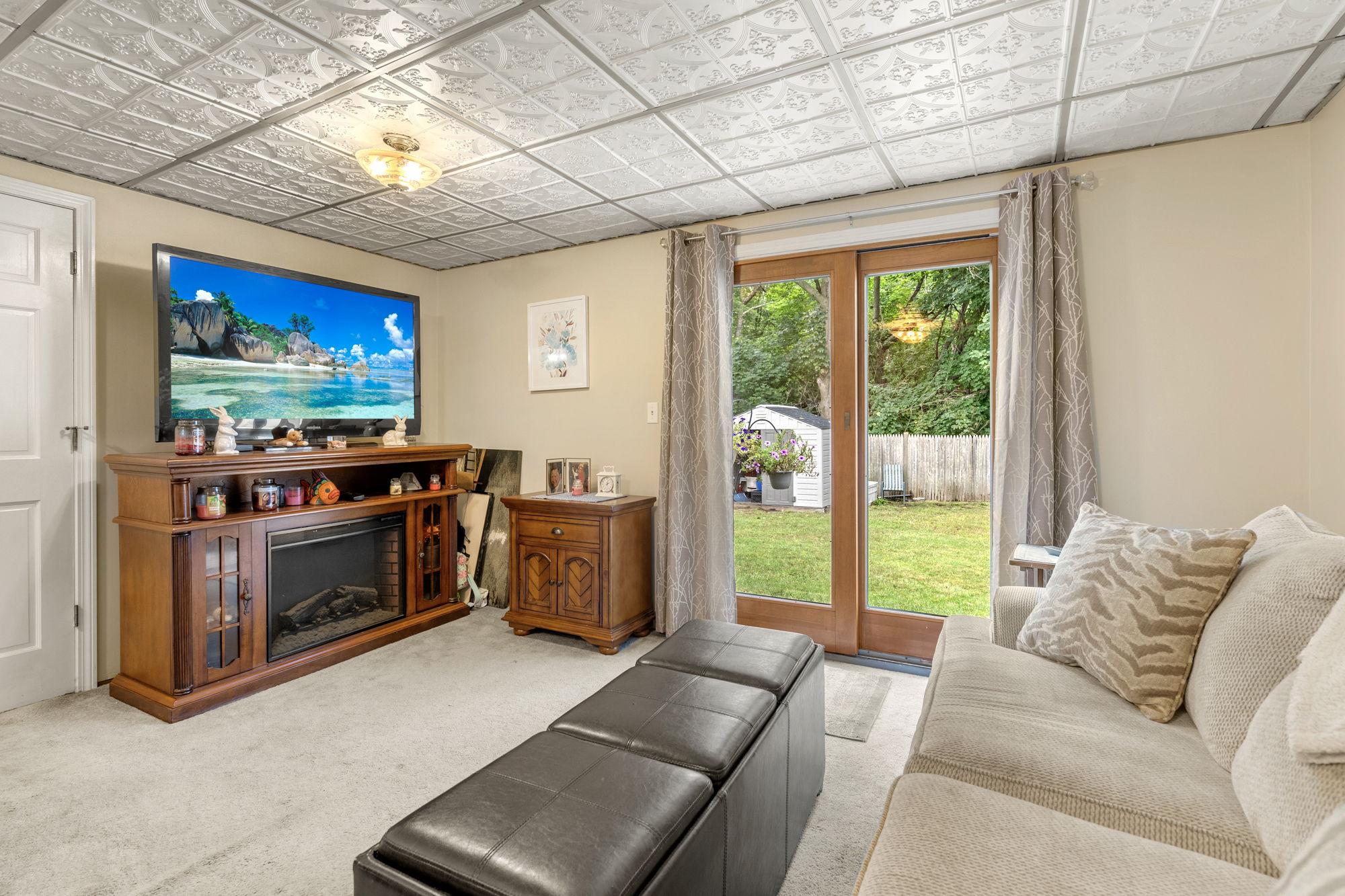 16 Longmeadow Rd, Beverly, MA 01915, USA Photo 13