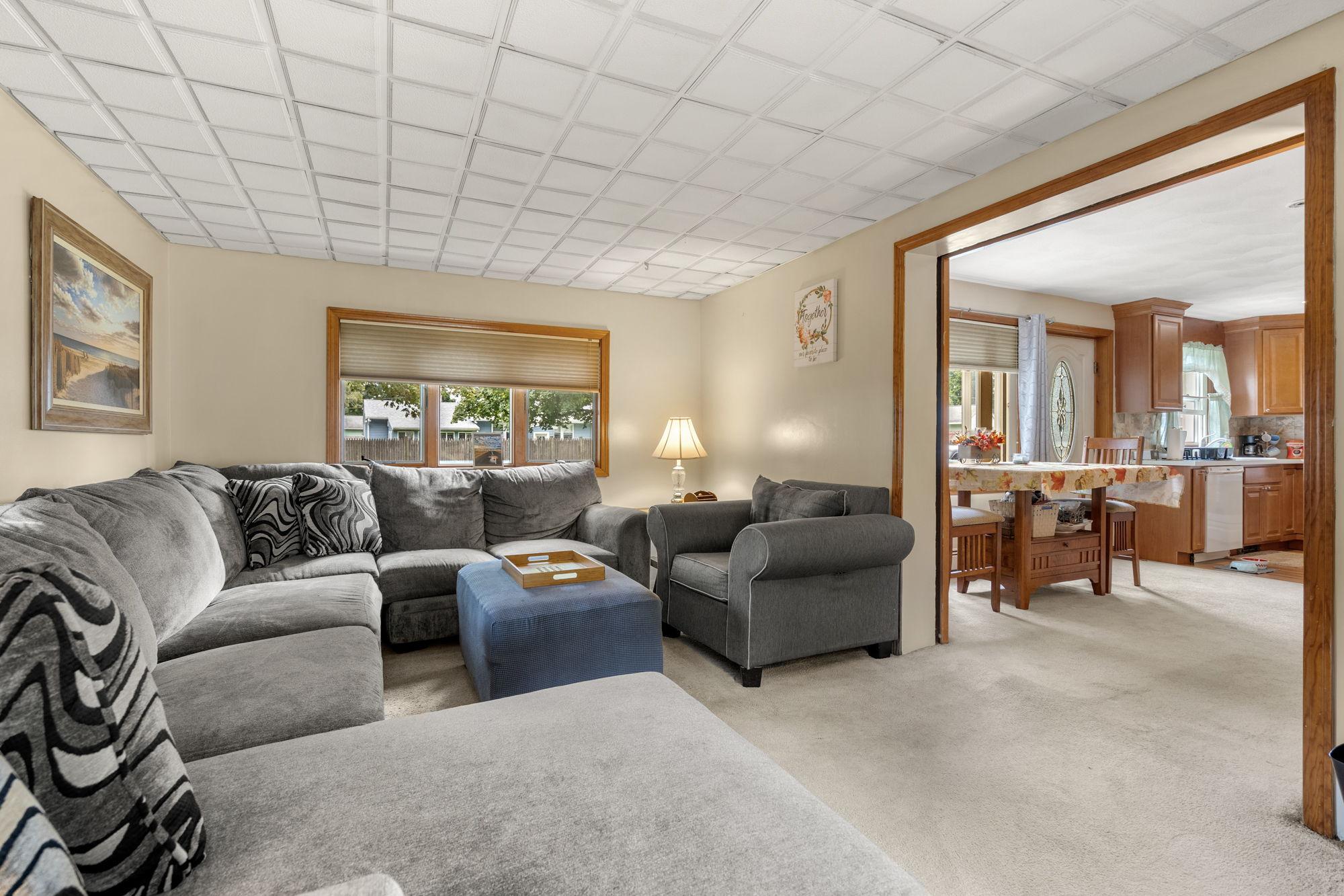 16 Longmeadow Rd, Beverly, MA 01915, USA Photo 7