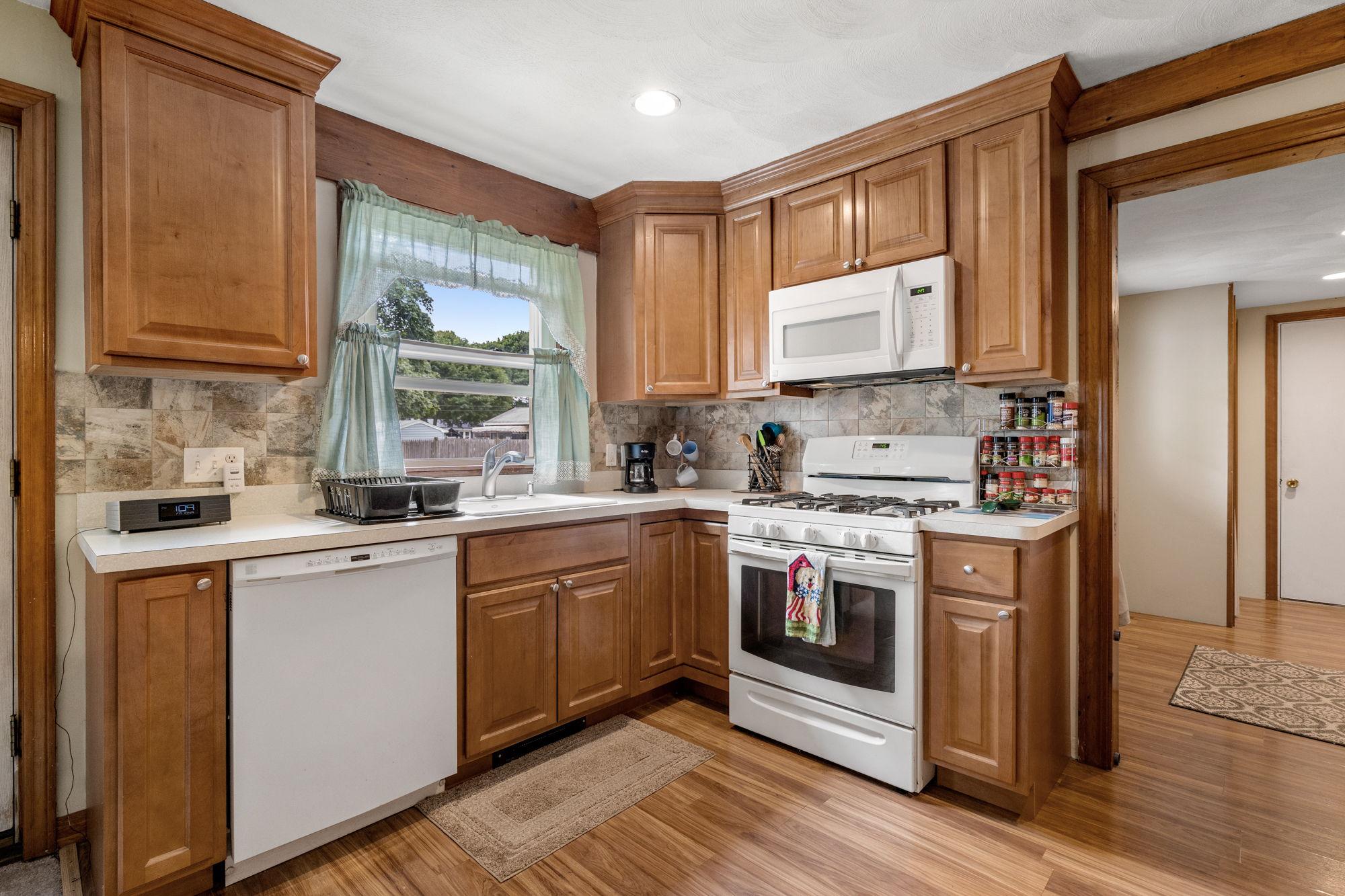 16 Longmeadow Rd, Beverly, MA 01915, USA Photo 3