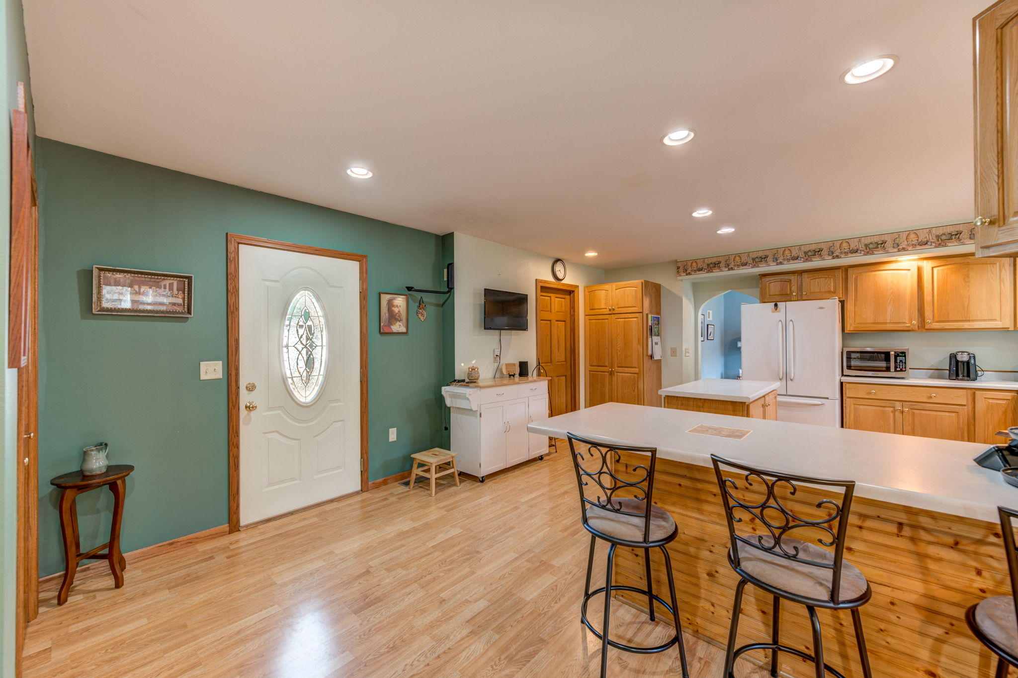 Foyer/Kitchen