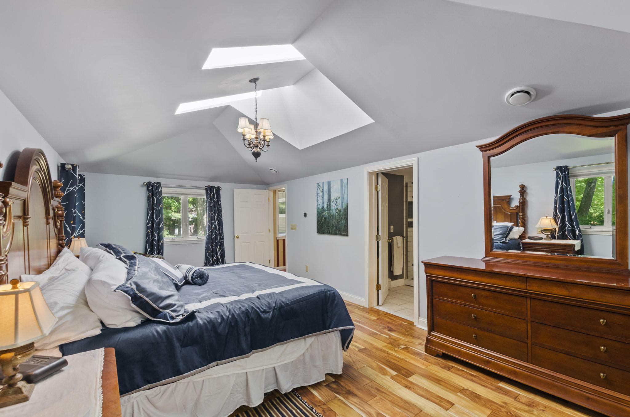 Second Master Bedroom (3)