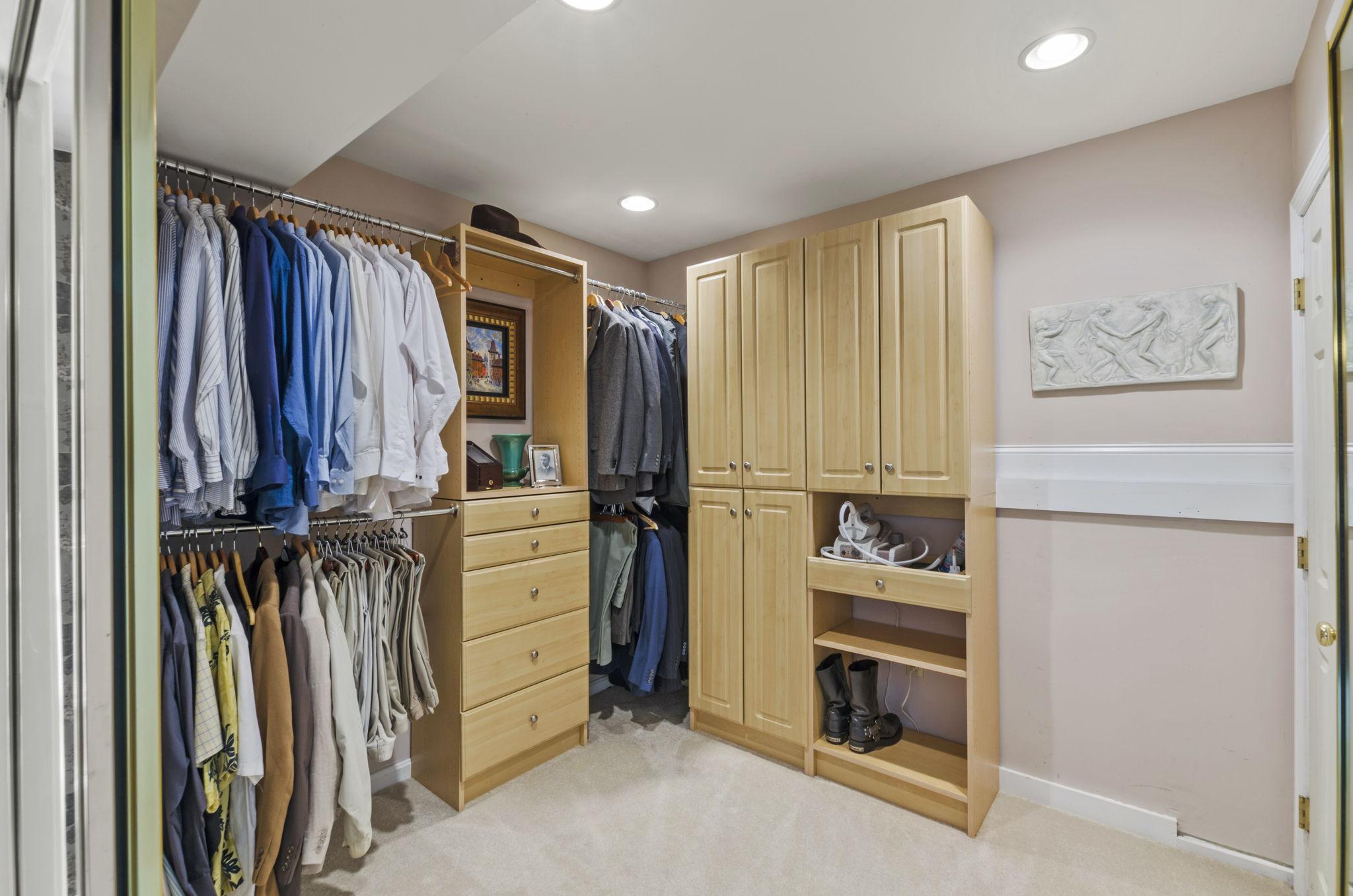 Master Bed Closet