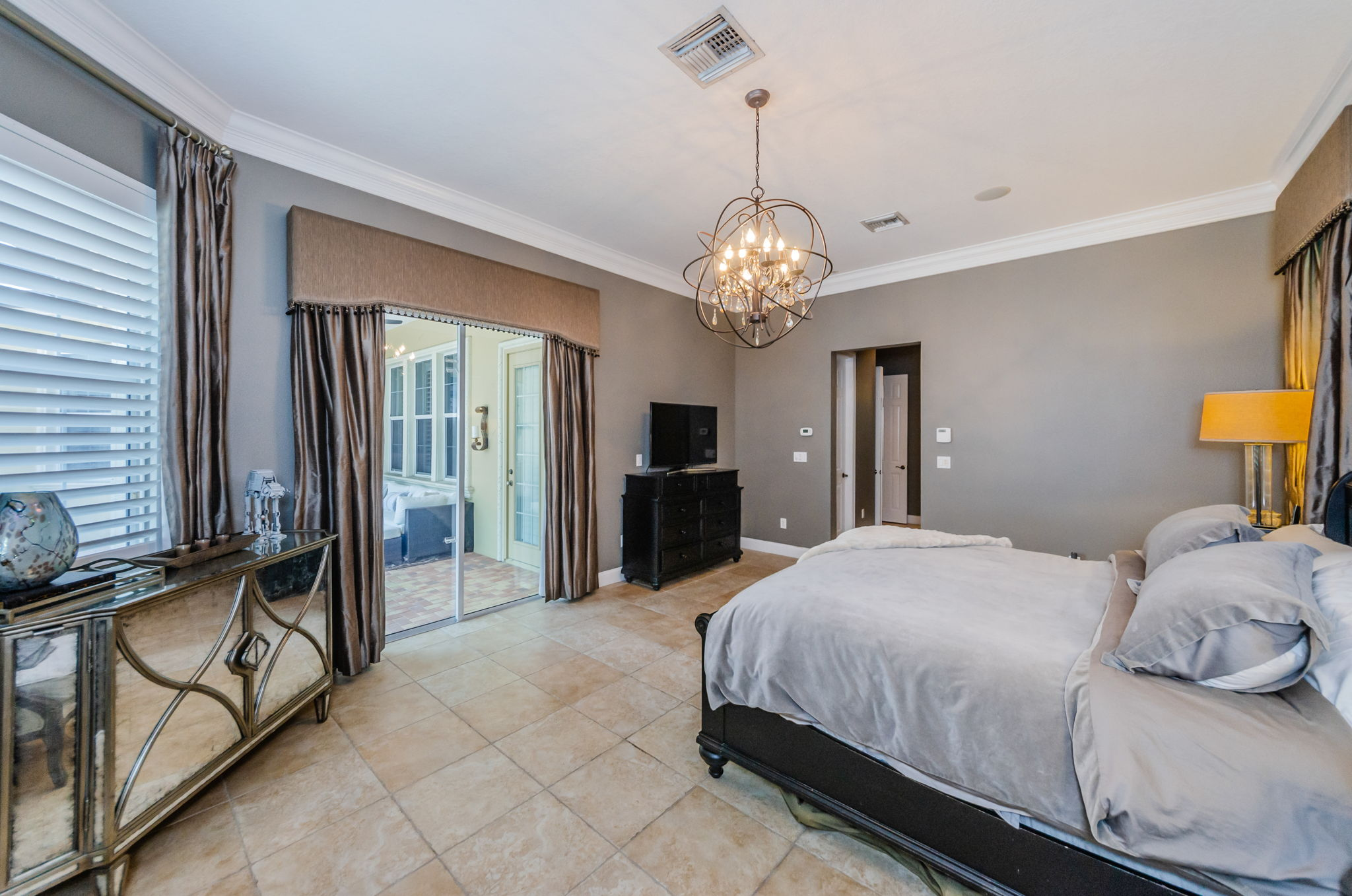 Master Bedroom 1c