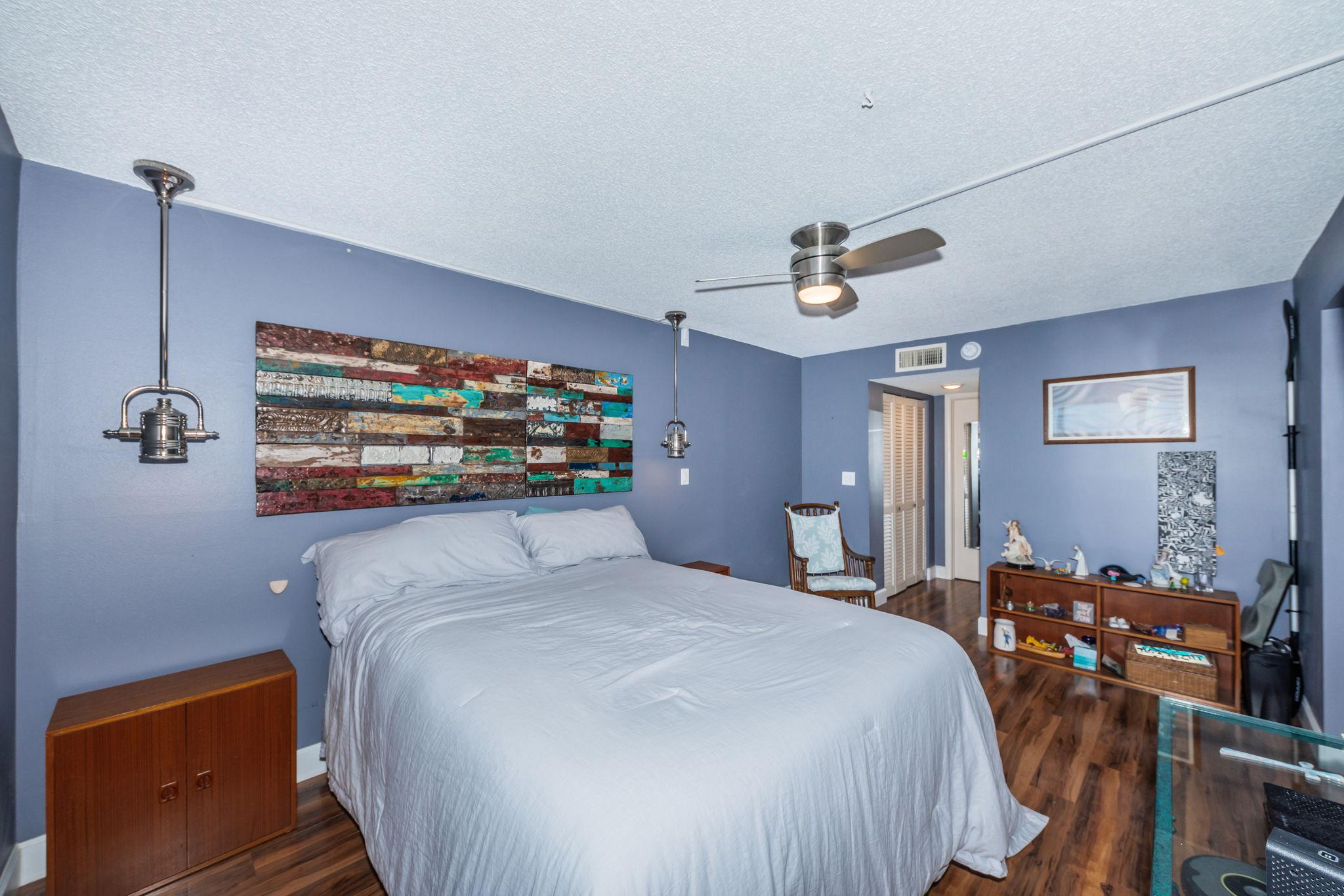 Master Bedroom 1a-2