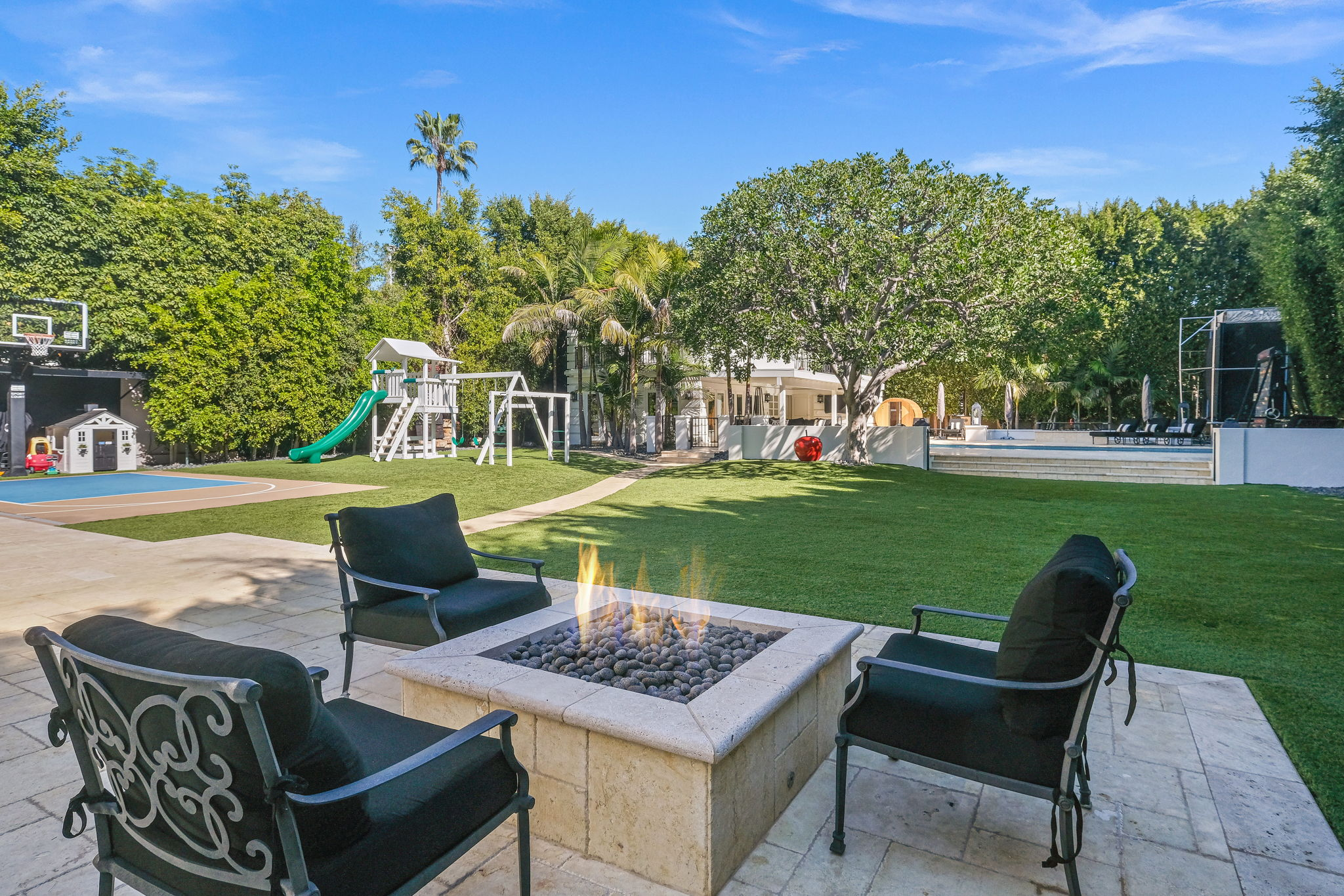 708 N Hillcrest Rd, Beverly Hills, CA 90210, US Photo 10